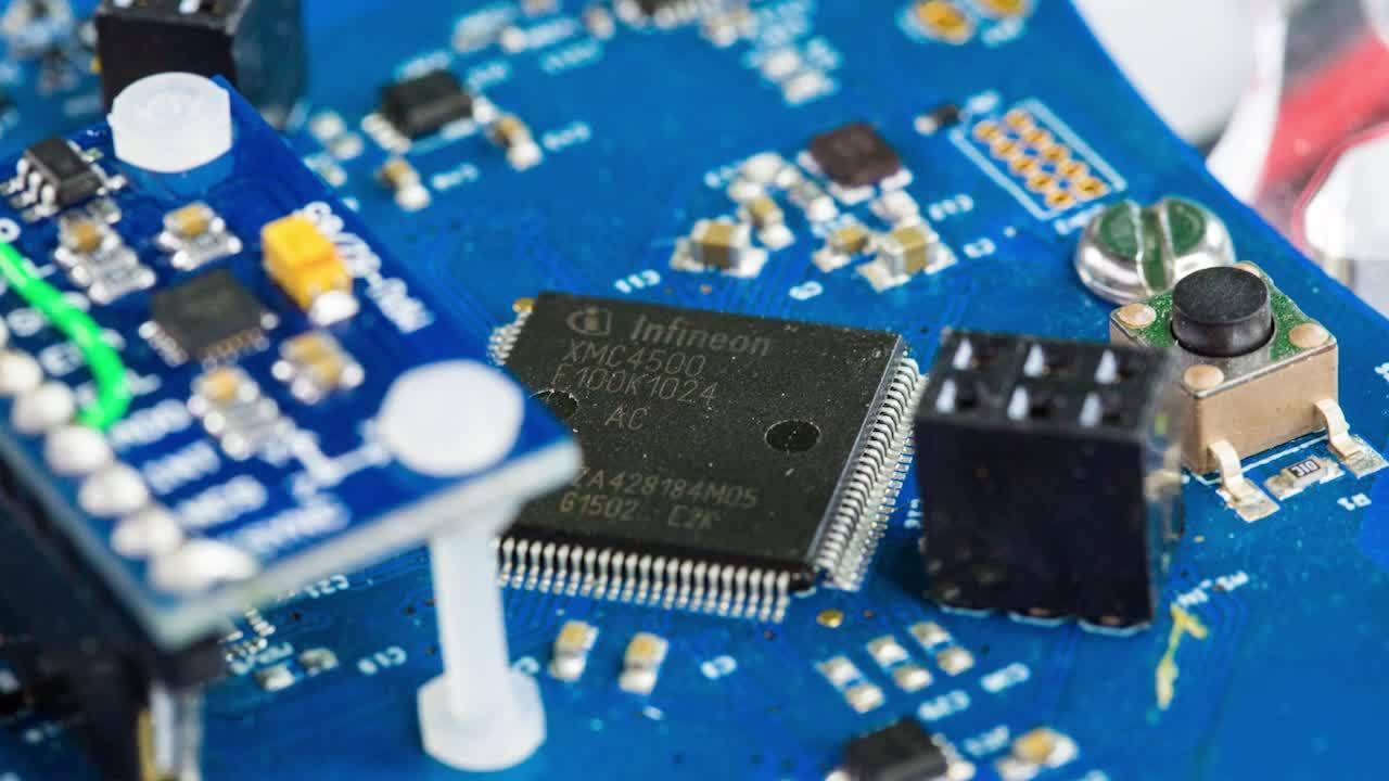Development of a full system solution: Multicopter - Flightcontroller, motorcontrol, FOC, pinus board,