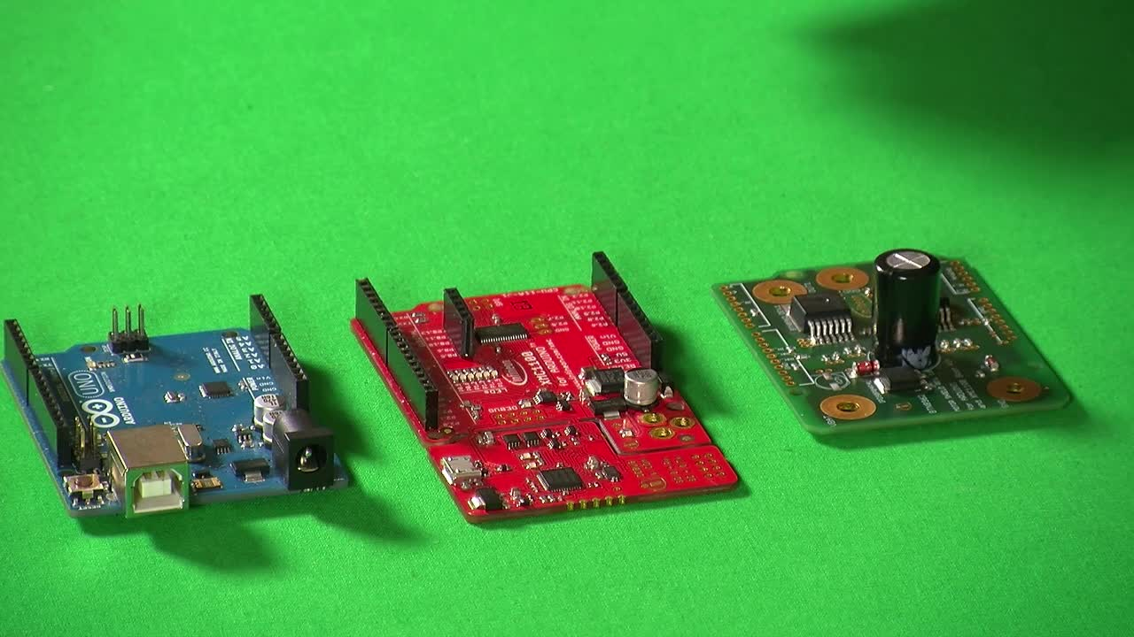 DC Motor Control Shield - How to easily and quickly make a motor turn
