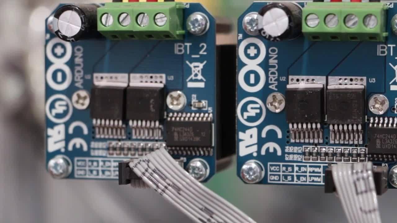 Embedded World 2015: インフィニオンのNovalithIC ハーフブリッジを使用したDCモータ制御シールド:モータを簡単に迅速に駆動させる方法