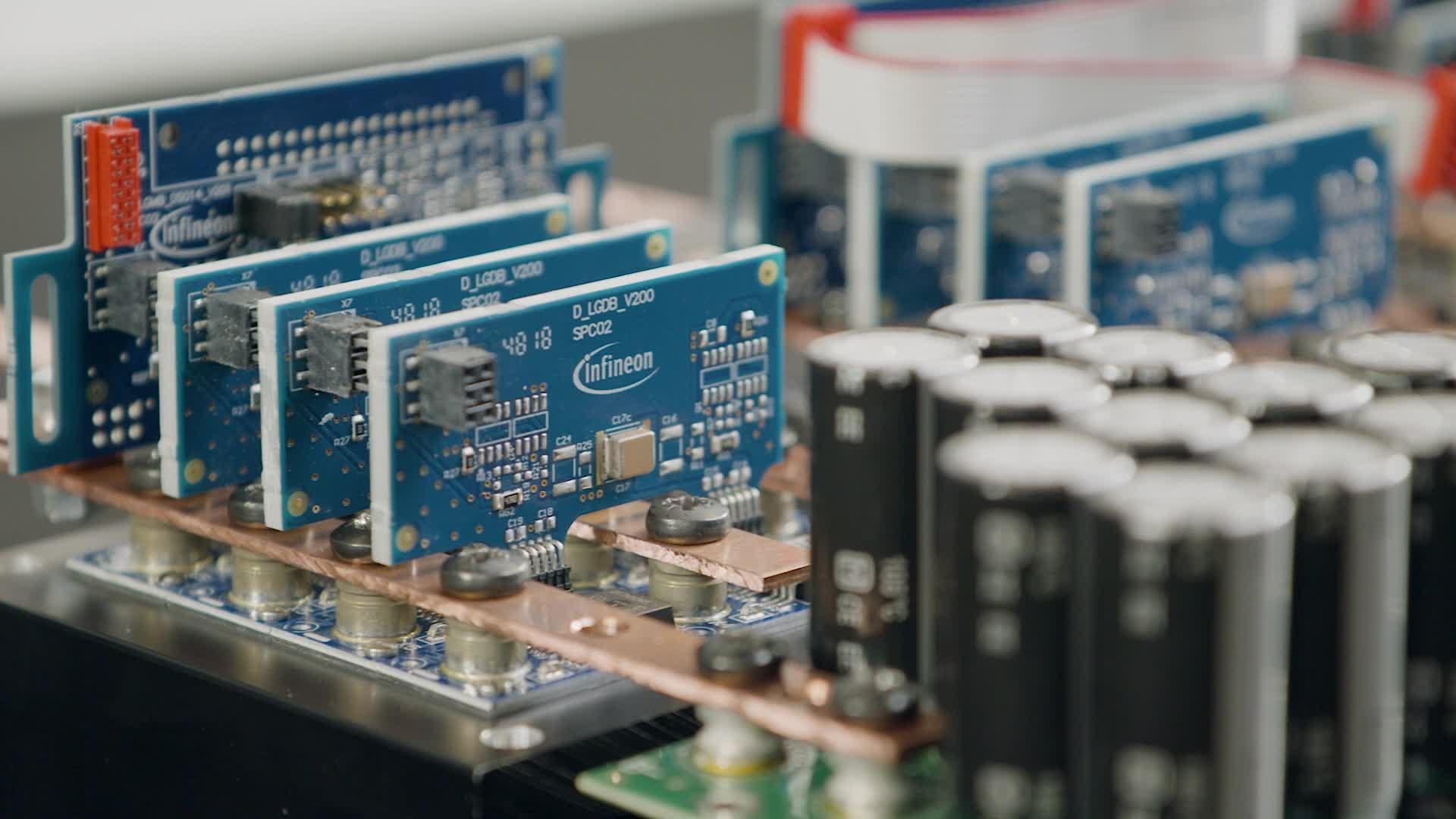 Modular approach to high power motor drive applications